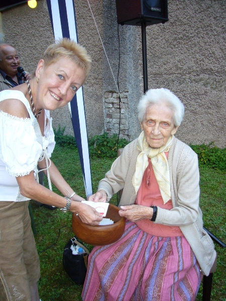 Brigitte Launinger & Glücksengerl Frau Hölzl