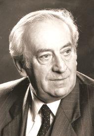 Dr. Helmut Natzmer